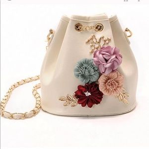 Handbags - Cute bucket floral flower bag